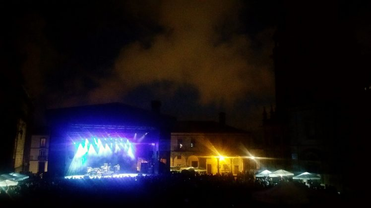 Ongoing concerts on the square next to the Cathedral of Santiago.