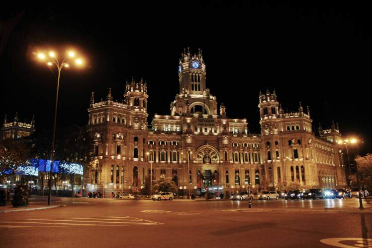 Madrid_city_lights_Centro_Cibeles.jpg