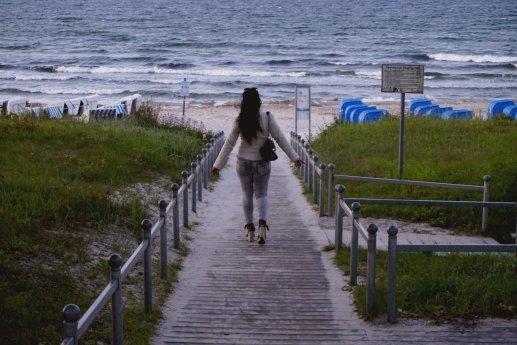 A walk to the beach...